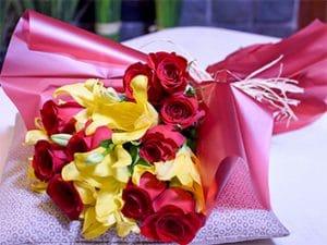 Ramos de flores en rosas y lilium