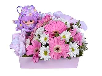 Arreglo floral para bebe, gerbera y mable blancos