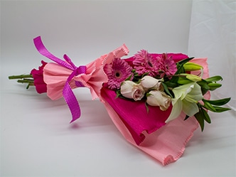 Ramo de rosas gerbera y lilium. Elegante y sencillo ramo