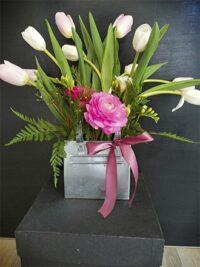 Cartera de latón con tulipanes y ranúnculos 0x