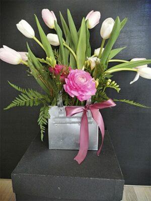 Cartera de latón con tulipanes y ranúnculos 06