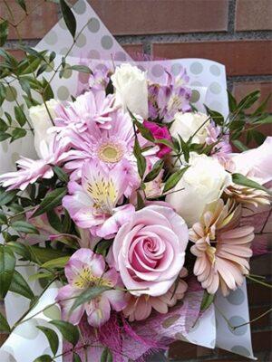 Ramos de flores, Mix de gerberas y rosas y flores de temporada