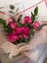 Ramos de flores peonias